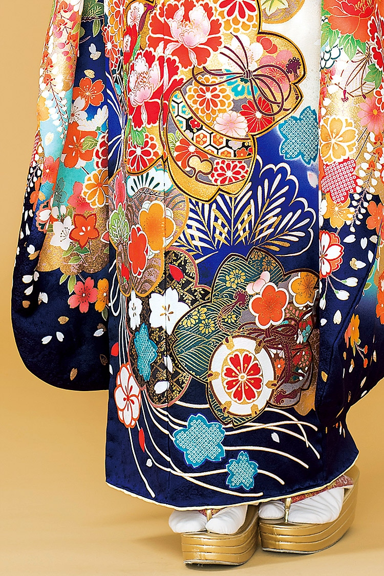 華やかですが、落ち着いた雰囲気のあるデザインの振袖です