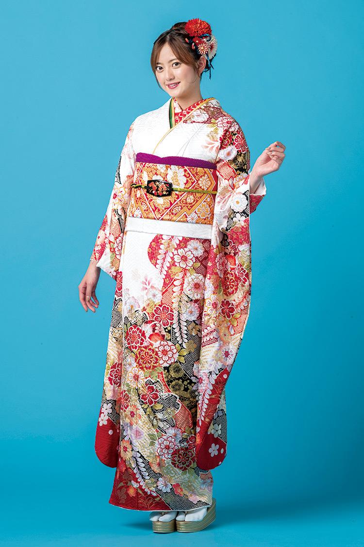 帯から裾にかけて流れるようなデザインが美しいですね。