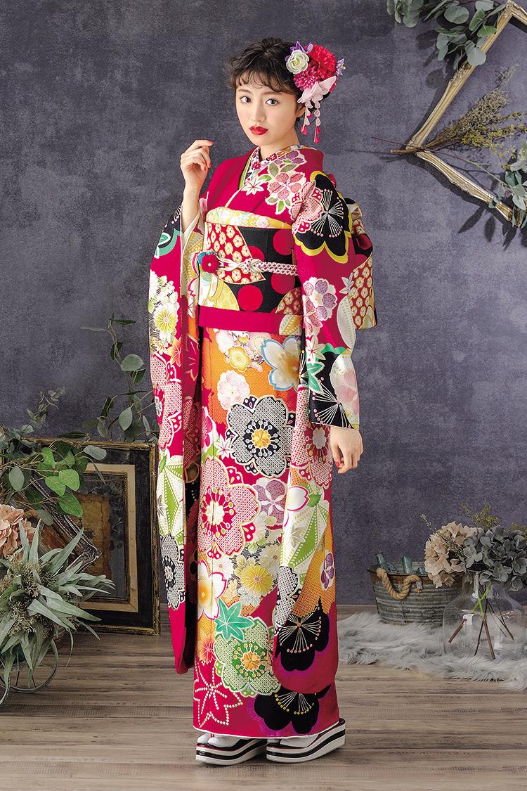 色とりどりの大きな桜の花が華やかな振袖です。